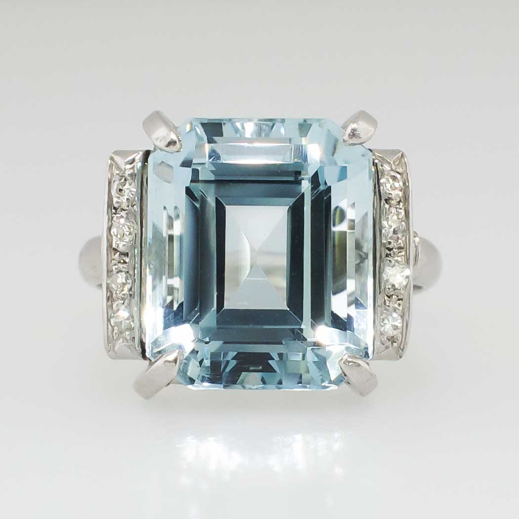 9 10ct t w 1940 s emerald cut aquamarine