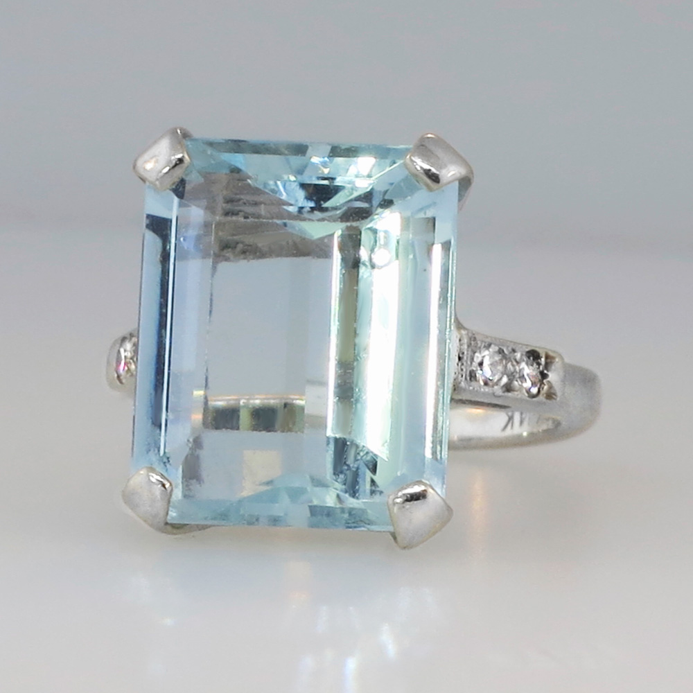 outstanding large emerald cut aquamarine