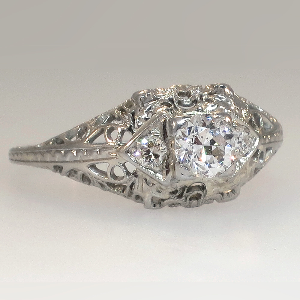 Art Deco Filigree 18k 40tw Diamond Engagement Ring